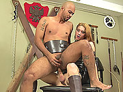 Slave gets fucked at both ends and jizzed